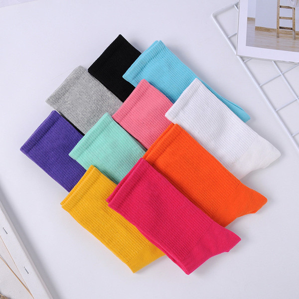 top popular womens sock Fashion Women and Men Socks High Quality Cotton Socks Letter Breathable Cotton Sports Socks Wholesale N56 2021