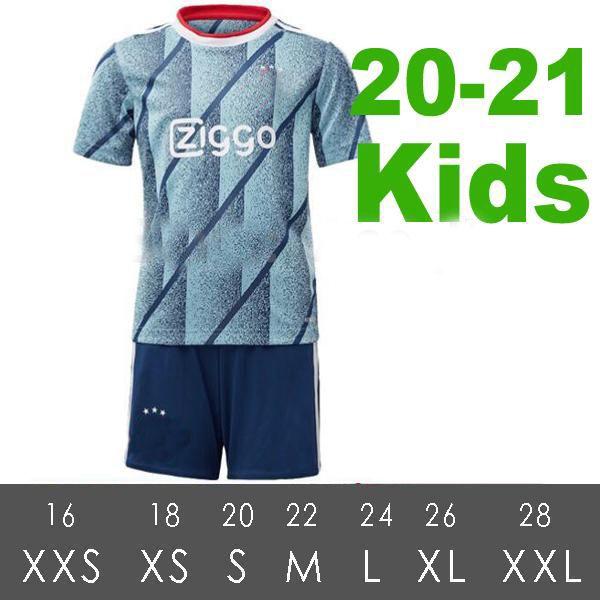 20-21 enfants loin