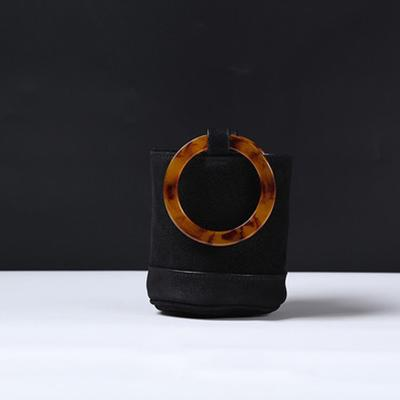 colore nero, S