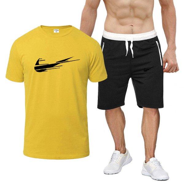 11 Sarı + Siyah pantolon