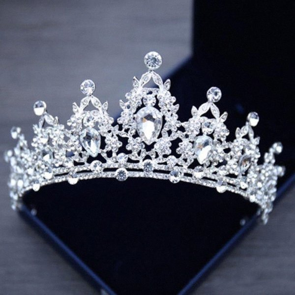 top popular Korean Elegant Princess Crystal Tiaras Crowns Headband Big Rhinestone Love Prom Crown Party Accessiories Diadem Hair Jewelry New PVFo# 2021