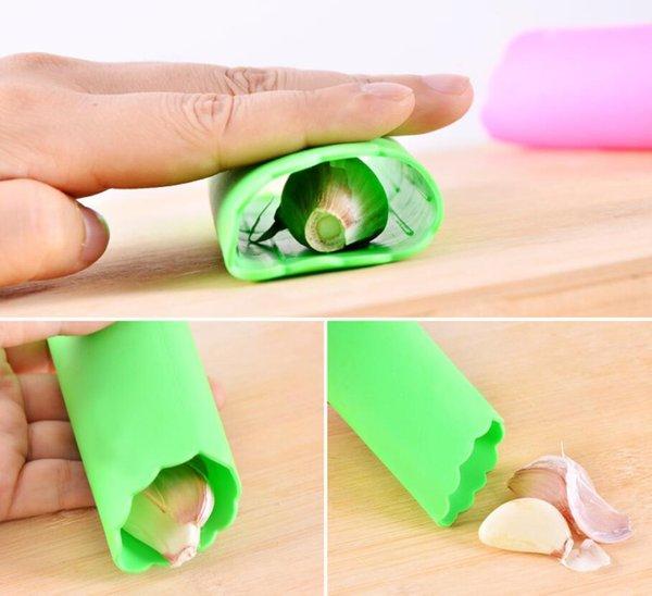 top popular Creative Silicone Garlic Peeler Vegetable Peeler Practical Kitchen Gadget Garlic Stripper Tube Peeling Garlic Peeling Tool 2020
