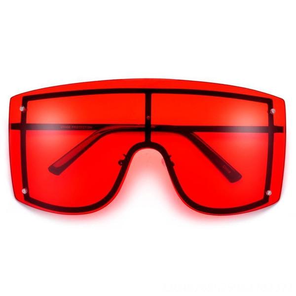 Black Frame Red Slice