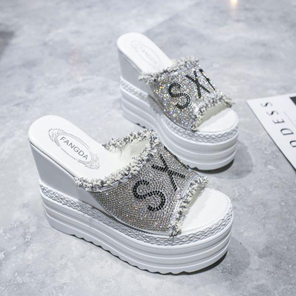 белый 01
