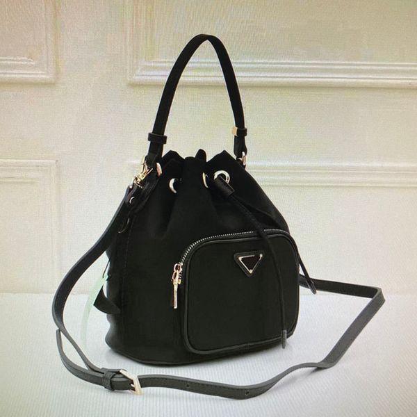 39 Black (21x25x13cm)
