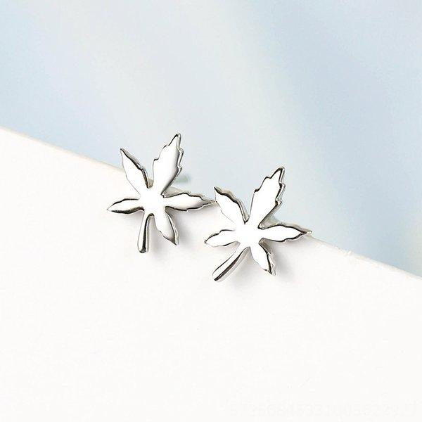 Maple Leaf Ohrringe-300 Silber überzogenes Pl