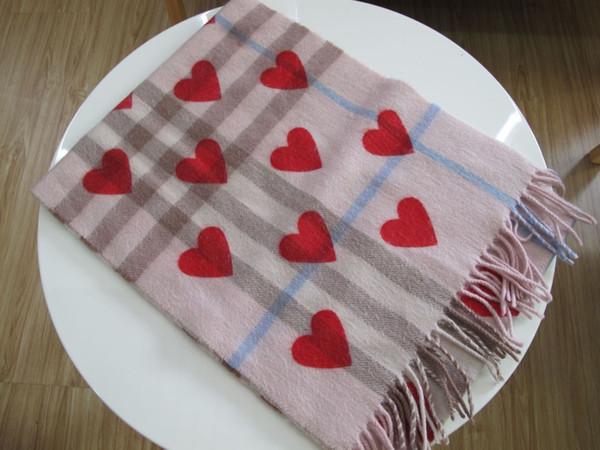 rosa corazón rojo