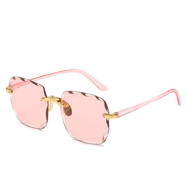 белый розовый объектив