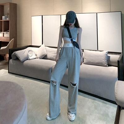 Топ + серый штаны