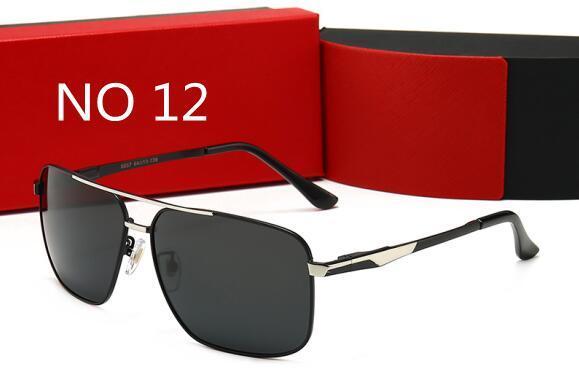 12 Com caixa
