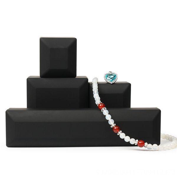 Nero-Ring Box