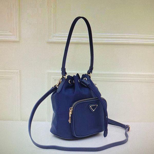 37 Blue (17x20x11cm)