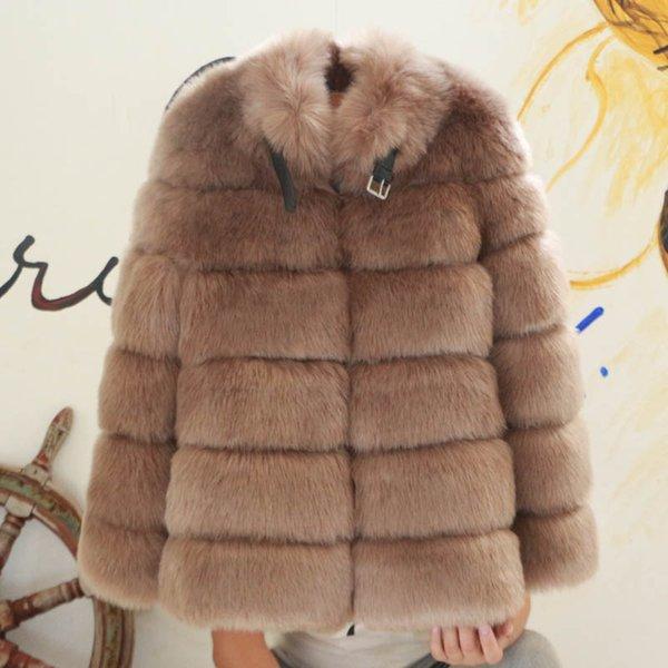 cappotto di pelliccia kaki