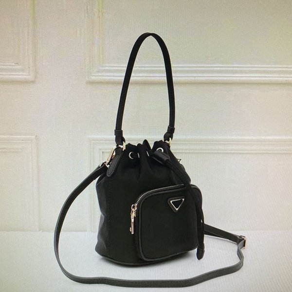 36 Black (17x20x11cm)