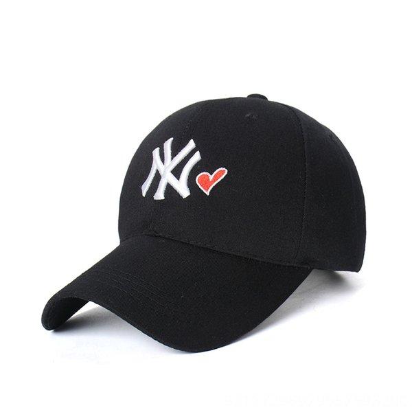 Black Hat Малый белый п Red Heart-Adjust
