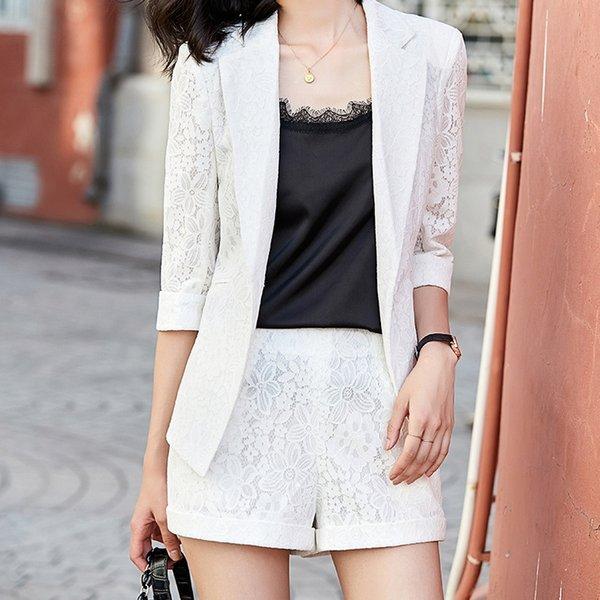 Weißer Anzug + Shorts
