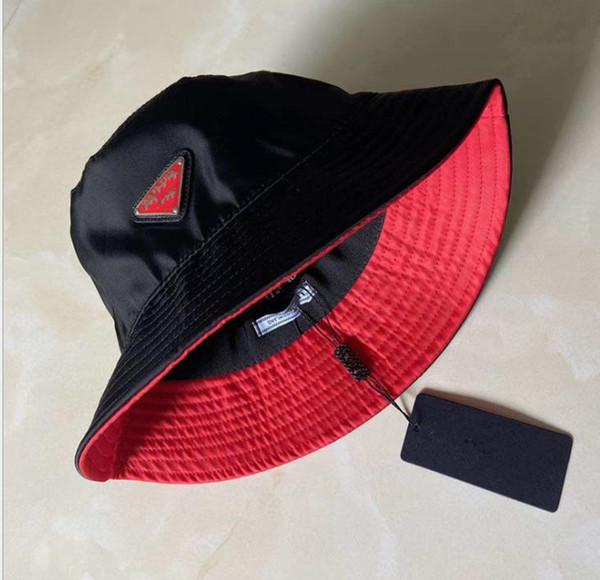 Schwarz mit rot.