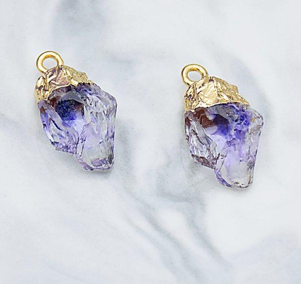 Пурпурные чужеродный камень