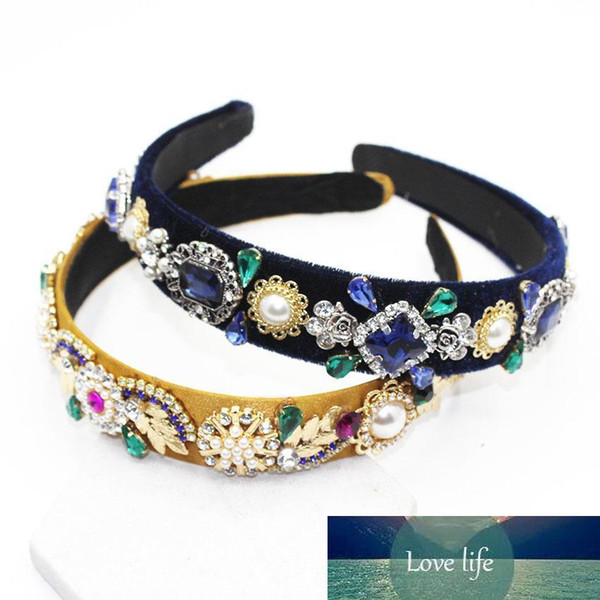 top popular Fashionable Pearls Rhinestone Retro Baroque Headdress Crown Velvet Hairband Card 1425 J190701 2021