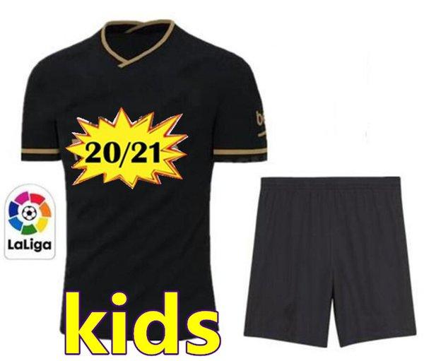 kids (no socks)
