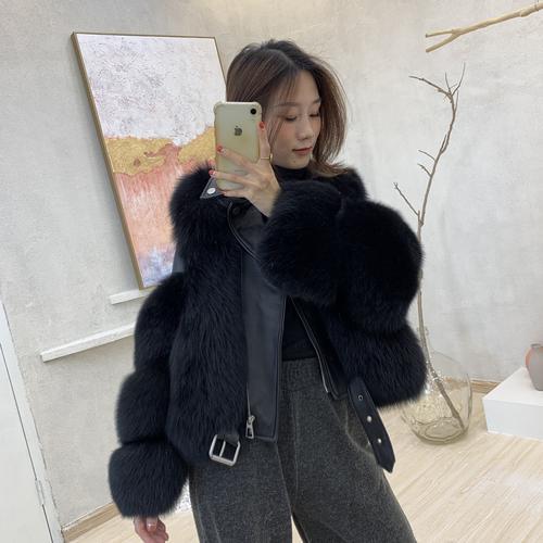 معطف أسود