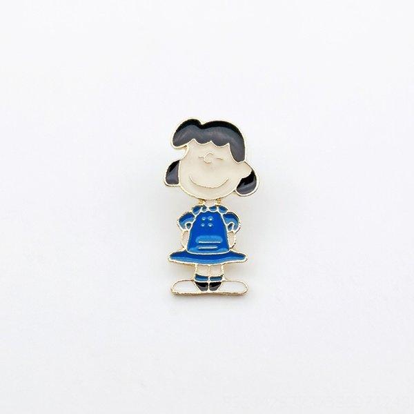 Lucy com cabelo preto
