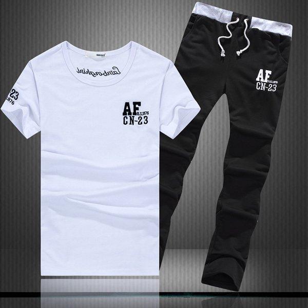 Weiß T14 + Schwarze Hosen K10