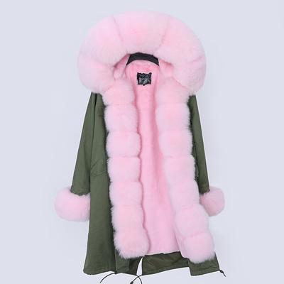 chaqueta verde / pieles de color rosa