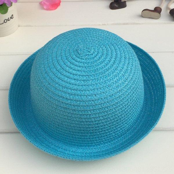 Cabeza C210 pequeñas y redondas Sombrero blanco del cielo azul