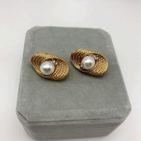 Matte d'or en lin en forme de fleur de perles