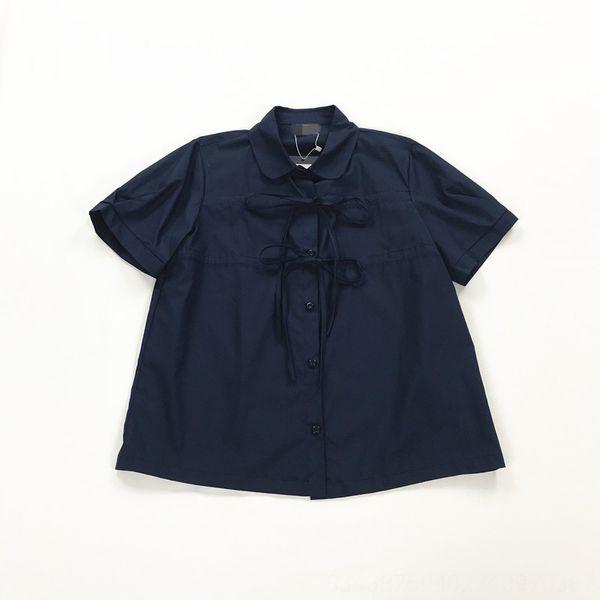 Azul marinho de manga curta