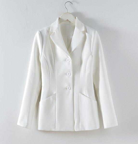 Маленький белый костюм