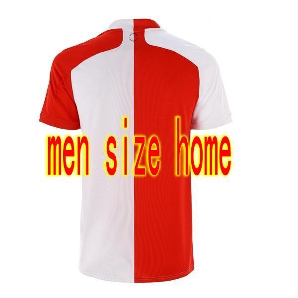 Hombres en casa