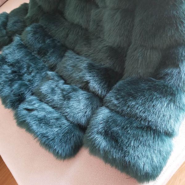 cappotto di pelliccia verde scuro