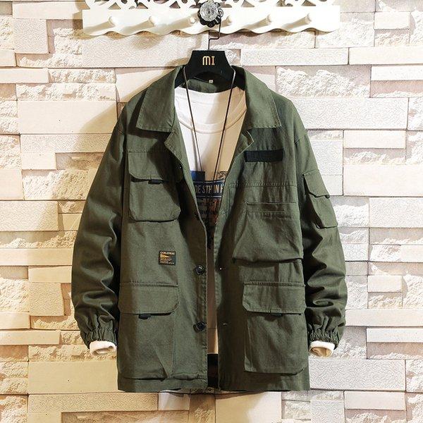 hombres de la chaqueta verde