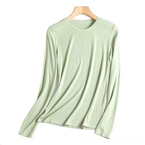 Em torno do pescoço do verde da hortelã