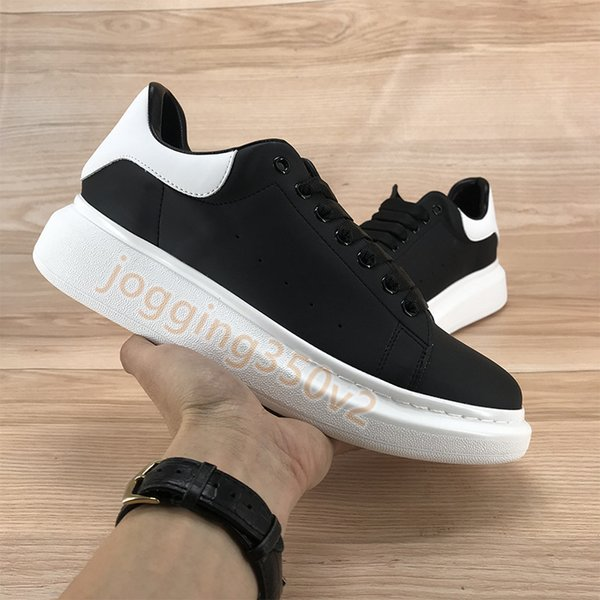 04. أبيض أسود
