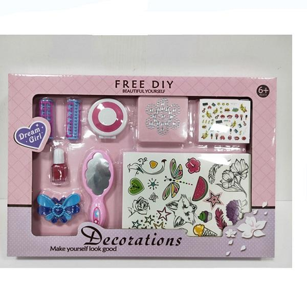 best selling Full cosmetic decoration for little girls with mirror + hairpin+ accessories wholesale market cosmetics for girls 3+