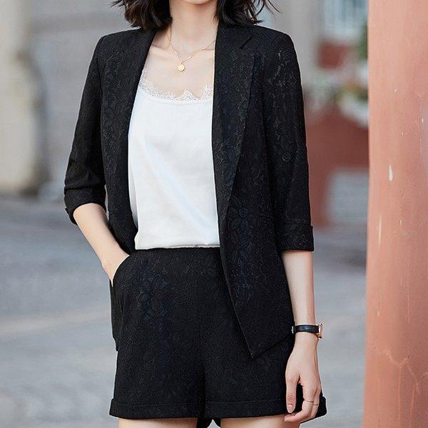 Schwarzer Anzug + Shorts