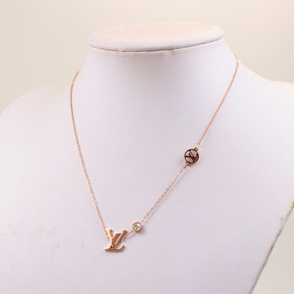 best selling New Arrival high polished Diamond pendant extravagant letter necklace fashion new titanium steel women necklace couple jewelry wholesale