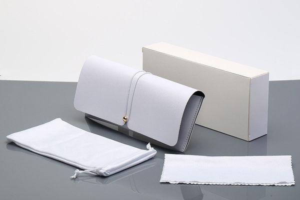 Saf Beyaz Deri Kutu + Ayna Bezi Mi