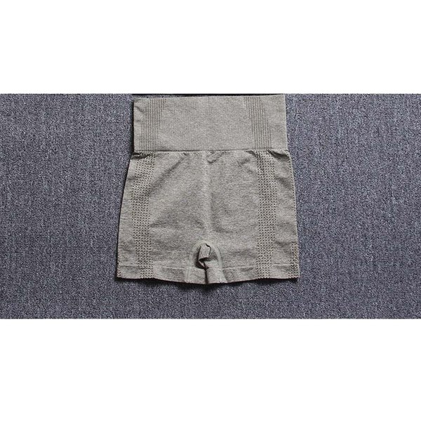 A-зеленые шорты