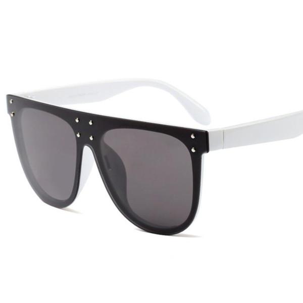 3 lunettes de soleil