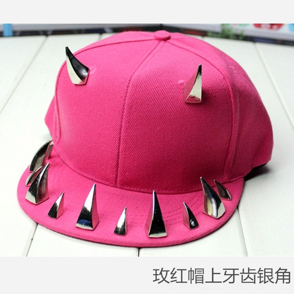 Rose Red Hat Зубы Silver Horn