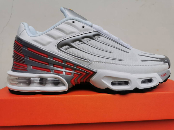 A28 White Silver с красным 39-45