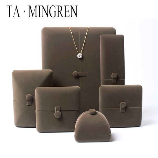 scatola marrone scuro Anello