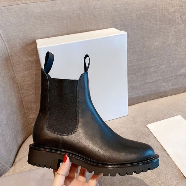 top popular Women's short boots thick soled Martin boots fashionable and comfortable female designer Boots Black women's Cowhide high quality rubber boo 2020