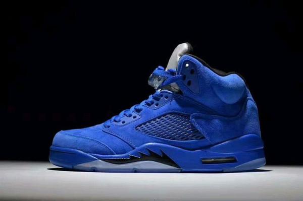 Blaues Wildleder.