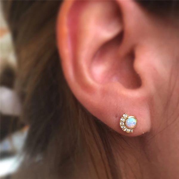 AprilGrass Brand Korean Sparking Zircon Round White Fire Opal Earrings For Women Prong Opal Stud Earrings Wedding Jewelry Small Cute Earring