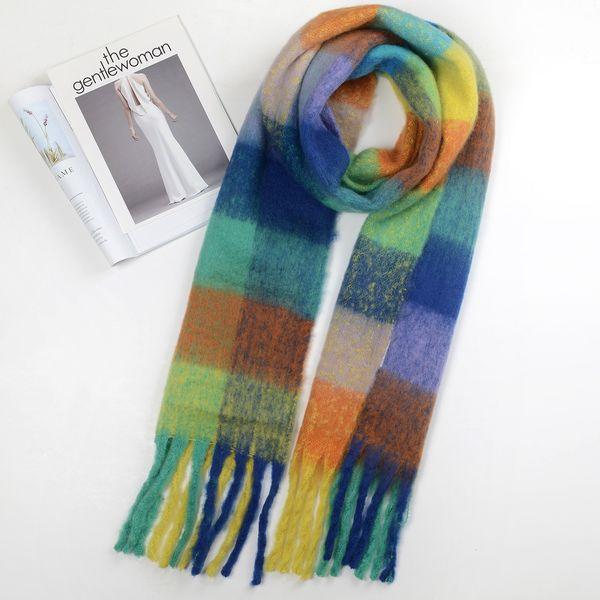 Coincidencia de bufanda de color azul